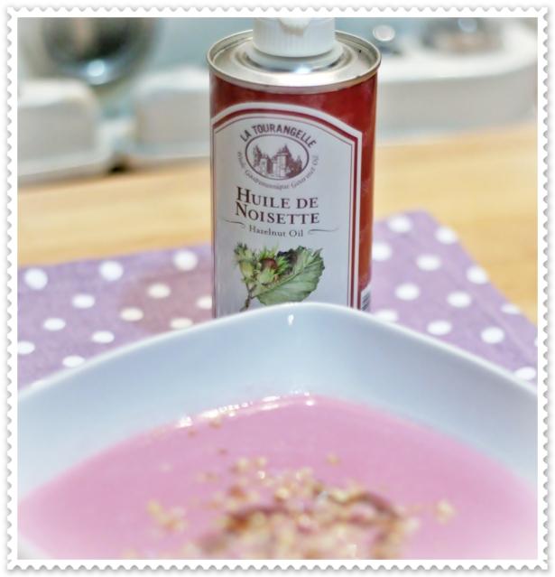 Crema di cavolfiore viola e nocciole (olio)