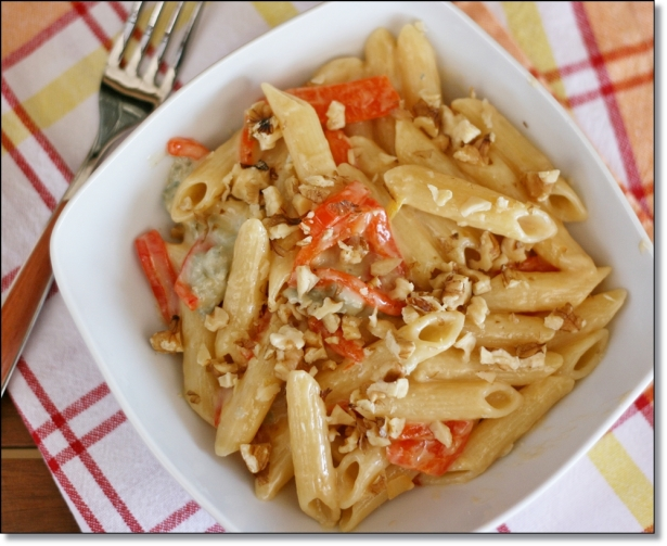Penne peperoni, gorgonzola e noci 2
