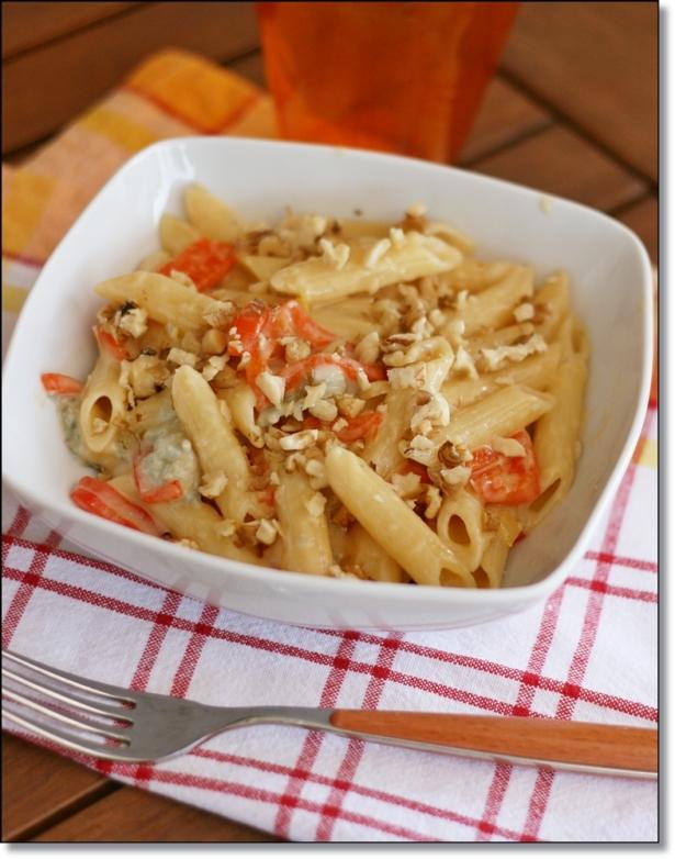 Penne peperoni, gorgonzola e noci