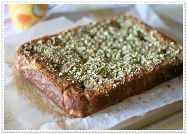 Torta integrale con nespole e pistacchi 2