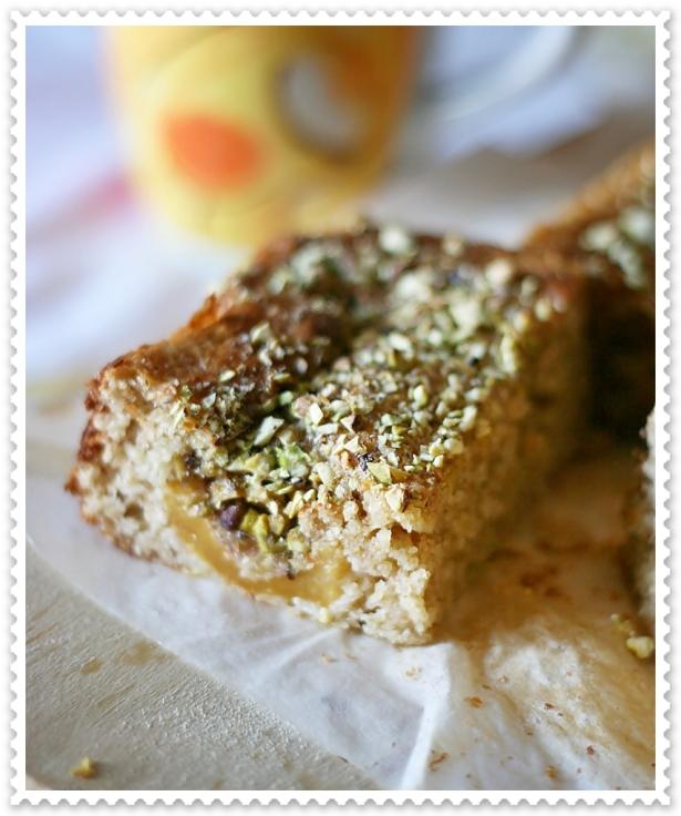 Torta integrale con nespole e pistacchi 3