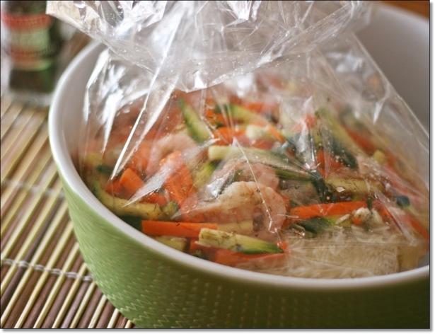 Riso basmati aromatico con gamberi e verdure (prima della cottura)