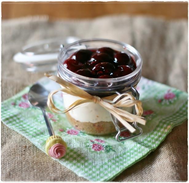 Cherry cheesecake in a jar 5