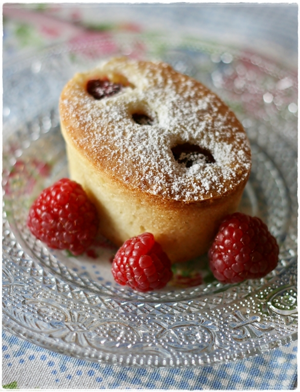 Raspberry friands2