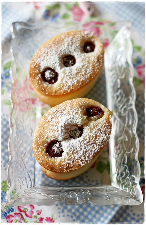 Raspberry friands3