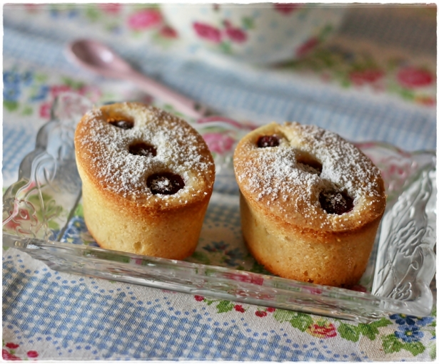 Raspberry friands4