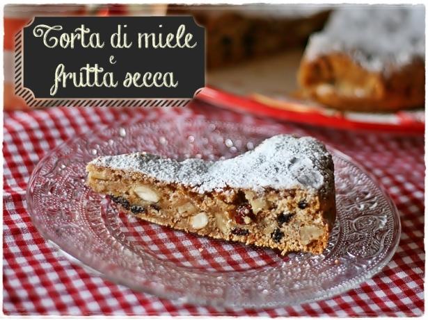 Torta miele e frutta secca6