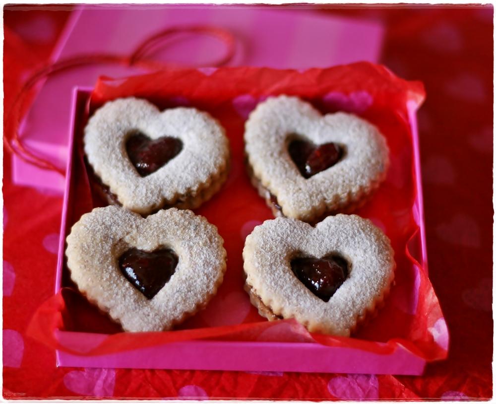 Linzer Heart Cookies | Crumpets & co.