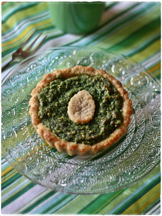 Crostatine di farro e mandorle con crema frangipane agli spinaci3