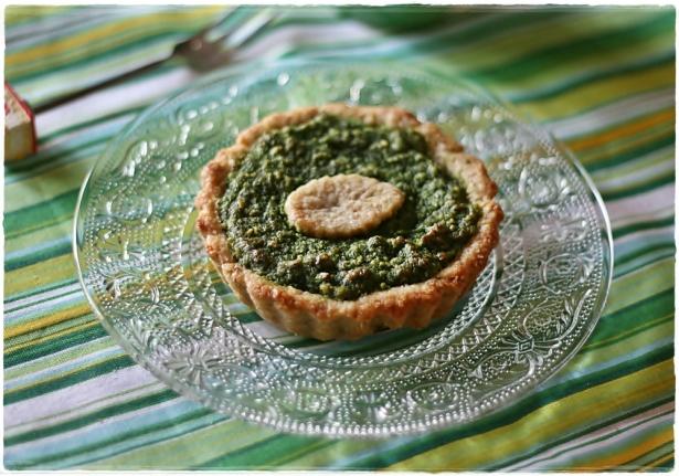 Crostatine di farro e mandorle con crema frangipane agli spinaci4