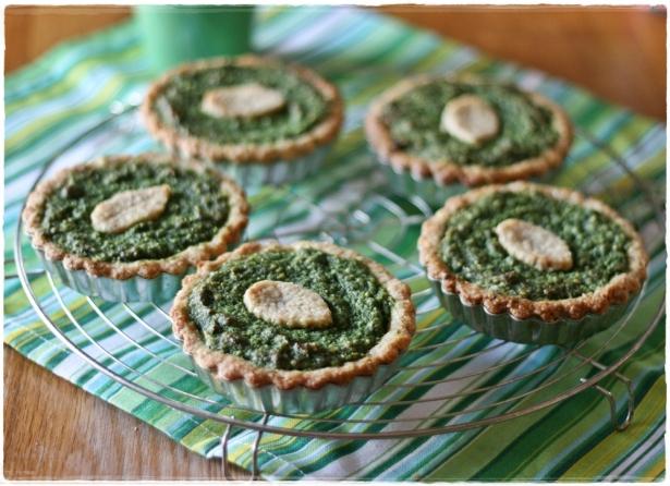 Crostatine di farro e mandorle con crema frangipane agli spinaci6