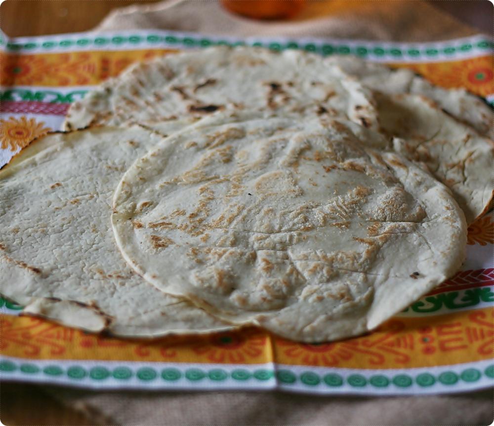 Alice Ricetta Tortillas.Racconti Di Tortillas Di Mais Di Frumento Di Quesadillas E Sincronizadas Tales Of Corn And Wheat Tortillas Of Quesadillas And Sincronizadas Crumpets Co