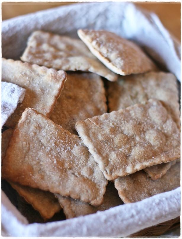 Crackers di segale con semi di carvi e trigonella2