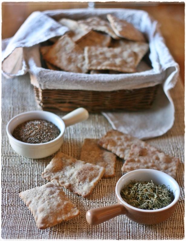 Crackers di segale con semi di carvi e trigonella8