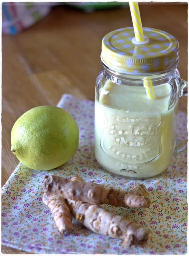 Smoothie limone e curcuma